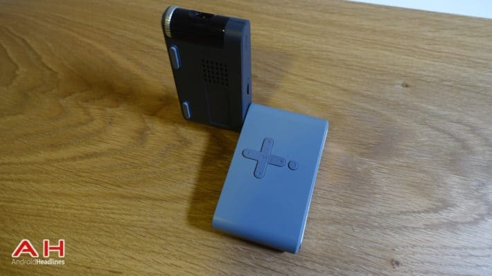 Hands-On With Lenovo's Teeny, Tiny Pocket Projector at MWC 2015